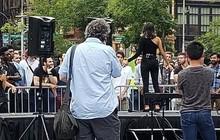Mỹ: Tin vào nàng thơ trên Tinder, mấy trăm anh đàn ông bị lừa gặp nhau giữa quảng trường