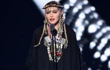 """VMAs 2018: Madonna """"ăn gạch"""" vì tưởng nhớ Nữ hoàng nhạc soul quá cố mà chỉ toàn """"tự sướng"""" về bản thân"""