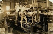 Ảnh: Xót xa cảnh lao động trẻ em mưu sinh ở Mỹ đầu thế kỷ 20
