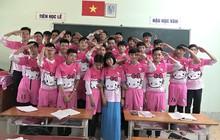 """""""Chơi lớn"""" như teen Vĩnh Long: Làm hẳn đồng phục lớp hình Hello Kitty để tôn vinh phái yếu!"""