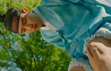 """""""Lang Quân 100 Ngày"""": Bị đỉa cắn, Thế tử D.O. (EXO) chạy vội về nhà ăn vạ vợ!"""