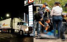 """Mexico: """"Container chết chóc"""" chứa 150 xác người vừa được di dời, cảnh sát lại phát hiện thêm một thi thể nằm gần đó"""
