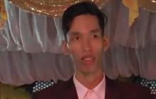 """Thanh niên hát ca khúc huyền thoại """"Cheri Cheri Lady"""" trong đám cưới hay không kém gì bản gốc"""