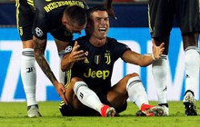 Fan xót thương khi thấy Ronaldo khóc, cho rằng trọng tài xử ép