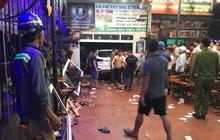 Xe ô tô lao vào quán nhậu, 9 người đang ngồi ăn uống bị thương