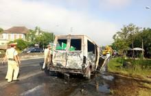 Hai vợ chồng thương nặng khi điều khiển xe 16 chỗ lao vào dải phân cách