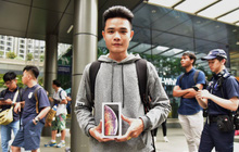 """Fanboy Apple từ Việt Nam xếp hàng 24 tiếng để mua iPhone XS lên báo nước ngoài: """"Mình không thấy mệt tí gì cả!"""""""