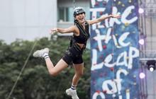 Sao Việt và giới trẻ Sài thành rủ nhau thách thức với zipline mạo hiểm