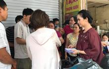 NSND Lan Hương âm thầm đi giúp đỡ từng nạn nhân khu vực cháy Đê La Thành