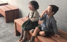 """Loạt ảnh đáng yêu của cặp chị em nhóc tì người Hàn khiến hội con một phải """"phát hờn"""""""