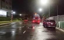 TP.HCM: Cháy tầng 9 tòa nhà Waseco giữa đêm, người dân ôm đồ tháo chạy