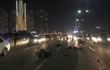 Cặp nam nữ chết thảm sau va chạm, giao thông ùn ứ kéo dài trên cầu Sài Gòn