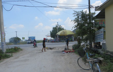 Xe tải cán nát xe đạp, một cụ ông chết thảm