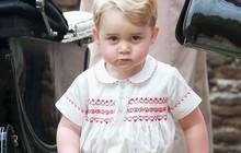 """Hoàng tử George – cậu bé mặc đẹp """"từ trong trứng nước"""" và có tầm ảnh hưởng về thời trang không hề thua kém mẹ Kate Middleton"""