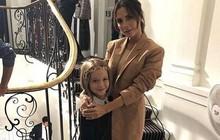 Victoria Beckham bật mí về thói quen điệu đà của Harper: Trước khi ăn trưa đều phải vuốt tóc thật đẹp