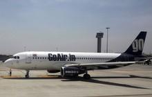Tưởng cửa thoát hiểm máy bay là cửa toilet, thanh niên Ấn Độ gắng sức mở bằng được khiến hành khách hoảng loạn