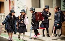 Nỗi lo về khối lượng cặp sách trẻ em tại Nhật Bản