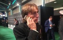 Mặc kệ iPhone XS Max, Modric giành giải Cầu thủ xuất sắc nhất năm của FIFA vẫn dùng iPhone 5S