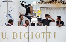 Thuyền gỗ hết nhiên liệu, 10 người di cư Algeria chết và mất tích ngoài khơi Italy