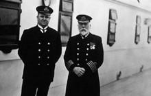 """Bán đấu giá chiếc gương có thể cất giữ """"hồn ma"""" thuyền trưởng tàu Titanic"""