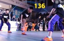 Nhóm học sinh Trung Quốc lập kỷ lục Guinness nhờ nhảy dây đôi 136 nhịp trong 30s