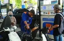 Giá xăng tiếp tục giảm mạnh, xăng RON 95 về dưới 20.000 đồng/lít