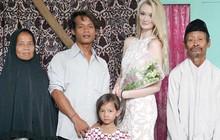 Vừa mới kết hôn, cặp đôi Indonesia bỗng nổi như cồn trên mạng nhờ sự khác biệt không giống ai của mình