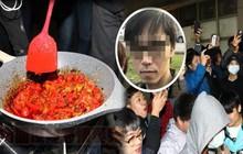 Bạo hành vợ con dã man chỉ vì món thịt viên không có ớt, ông bố Đài Loan bị cả trăm người tụ tập đòi đánh