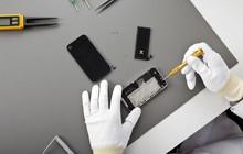 """Chỉ vì một vụ """"phốt"""" của Apple, iPhone lập kỷ lục gấp 10 lần lịch sử về số người nô nức đi thay pin"""
