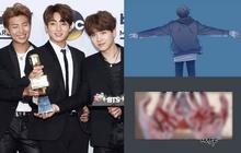 """Big Hit gây sốc khi tung ra series truyện của BTS với loạt cảnh """"máu me"""", em út Jungkook tự tử"""