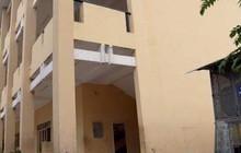 Nữ sinh lớp 9 gãy chân vì bị mảng tường từ tầng 3 rớt trúng