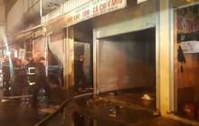 Chợ đầu mối rộng 16.000 m2 với hơn 700 điểm kinh doanh ở Thanh Hóa bất ngờ bốc cháy, 2 ki ốt bị thiêu rụi