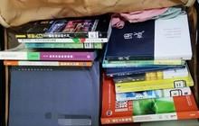 Chết cười với vali về quê của sinh viên: Mang một đống sách vở về học vì ngại đi chơi