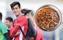 Bữa ăn của tuyển Việt Nam có thêm đặc sản từ quê hương HLV Park Hang-seo