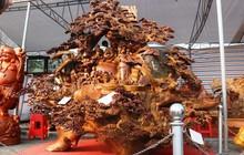 Chiêm ngưỡng bức tượng Phật Di Lặc bằng gỗ hương nặng 3,5 tấn, rao bán 1,2 tỷ ở chợ Tết Thanh Hóa