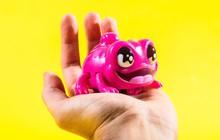 """Món đồ chơi """"hét càng to đuổi càng căng"""" ra phiên bản mới, và lần này kinh dị hơn nhiều"""