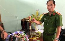 Công an bắt giữ 1.330 hộp shisha được người phụ nữ nhập từ Trung Quốc về để bán Tết