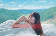 """Nhung Bum đăng ảnh quyến rũ với váy ngủ, fan lập tức soi ra Văn Toàn chính là """"nhiếp ảnh gia"""""""
