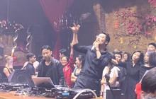 Ơ dân tình ra mà xem Thái Vũ đang quần tây áo sơ mi DJ căng đét đây nè!