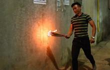 """Người làng An Định chạy """"rước lửa thiêng"""" về nhà lấy may ở Hà Nội"""