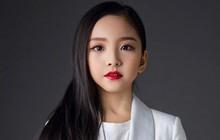 """Cô em họ mới 10 tuổi của Phạm Băng Băng: Xinh như thiên sứ, còn thần thái đúng chất """"hậu sinh khả uý"""""""