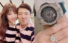 """Hari Won khoe quà kỉ niệm ngày cưới """"khủng"""", tự thấy quá ngây thơ khi nhận lời cầu hôn từ Trấn Thành"""