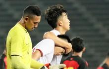 Xúc động khoảnh khắc Danh Trung (U22 Việt Nam) chạy đến an ủi đồng đội sau khi ghi bàn