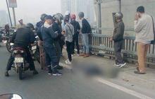 Hà Nội: Va chạm với xe buýt, người đàn ông đi xe máy bị cán qua tử vong tại chỗ