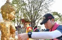 Xuân Trường đi lễ chùa cầu may cho mùa giải đầu tiên tại Thai League