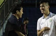 """Vừa trở lại Việt Nam, """"cánh tay phải"""" của HLV Park Hang-seo lập tức đến dự khán trận mở màn V.League 2019"""