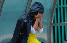 Xót xa hình ảnh tuyển thủ U22 Việt Nam ôm mặt thất vọng vì chấn thương, bỏ lỡ bán kết U22 Đông Nam Á