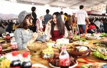 """1001 kiểu người thường thấy khi """"oanh tạc"""" các Lễ hội ẩm thực, bạn là tuýp nào nhỉ?"""
