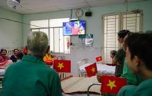 Bệnh nhân phấn khởi cổ động Asian Cup trước thềm Tết 2019