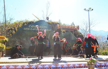 Hàng nghìn du khách dự Chung kết cuộc thi múa khèn tại Fansipan